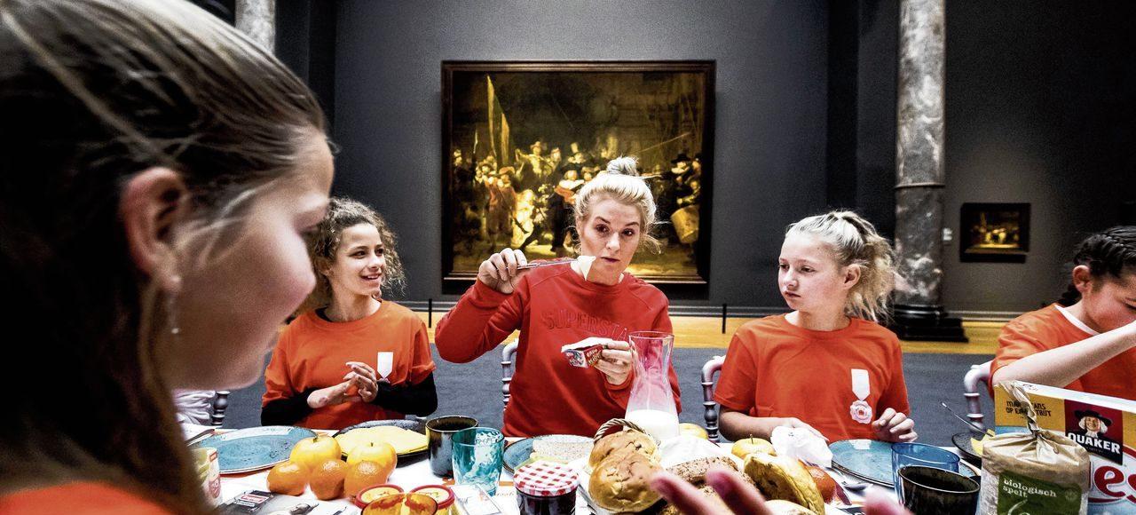 Kinderen eten zich ziek met het Nationaal Schoolontbijt